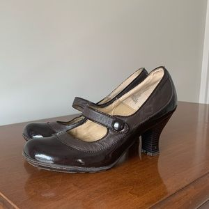 Strictly Comfort Brown Leather Mary Jane Heels